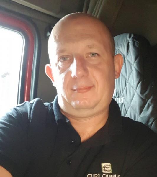 Mihai_77, barbat, 40 ani, Petrosani
