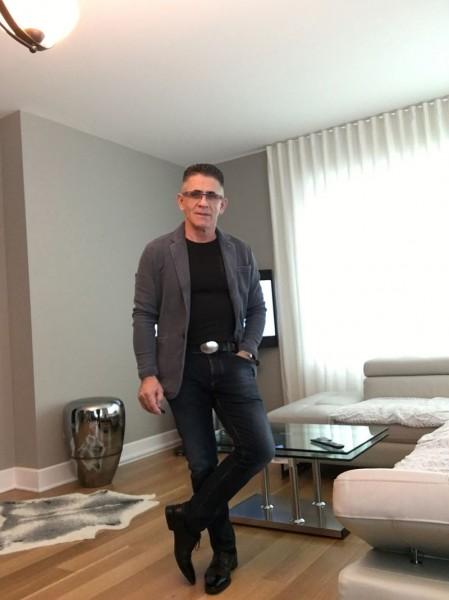 Boblea, barbat, 53 ani, Canada