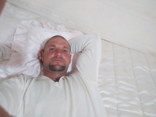 petru31, barbat, 17 ani, Romania