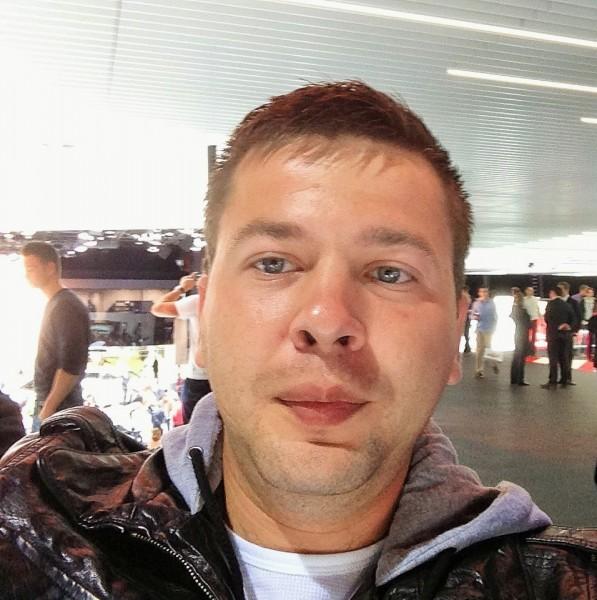 flo27, barbat, 33 ani, Romania