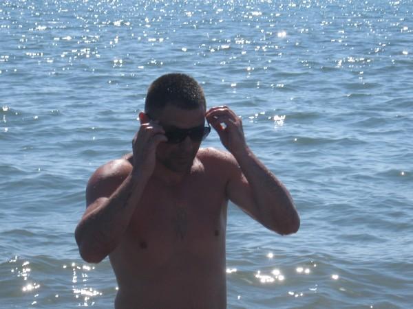c_green, barbat, 32 ani, Romania