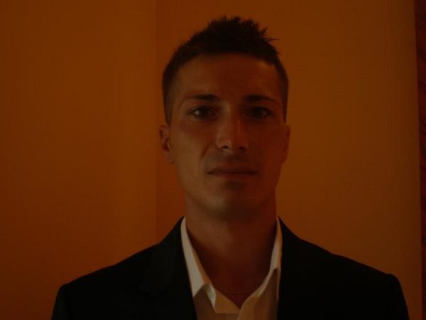 kyttos, barbat, 39 ani, Targu Jiu