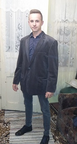 Vlad_Al_Tau_Vladutz, barbat, 20 ani, Slanic Moldova