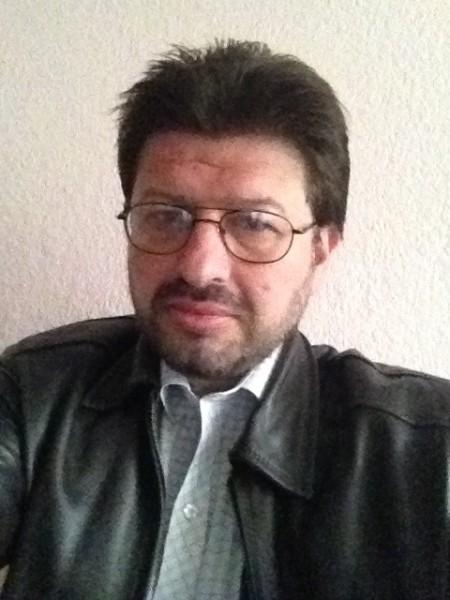 bumo, barbat, 50 ani, Romania