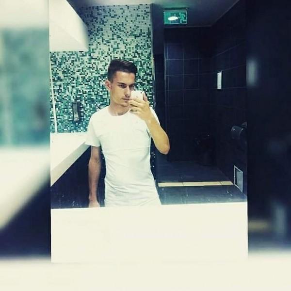 Maxim11, barbat, 23 ani, BUCURESTI