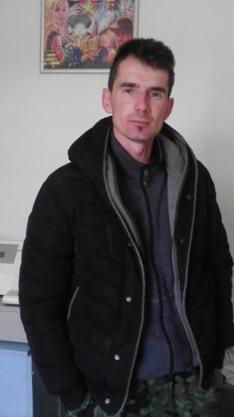 adyiuliu, barbat, 32 ani, Arad