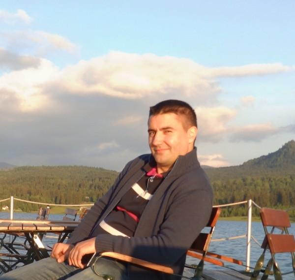 nitnelavt, barbat, 37 ani, Oradea