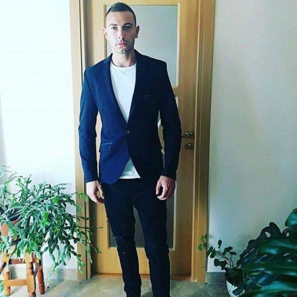 Victor96, barbat, 24 ani, Tulcea