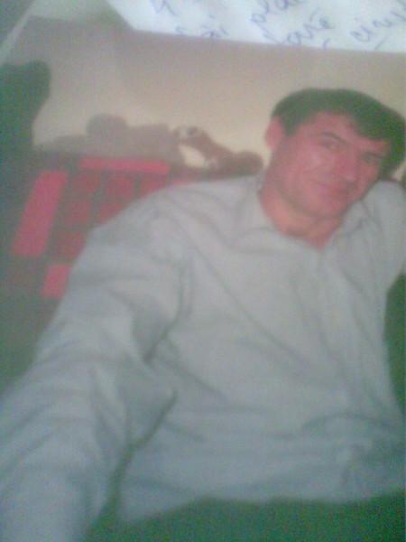 bellu, barbat, 49 ani, Arad