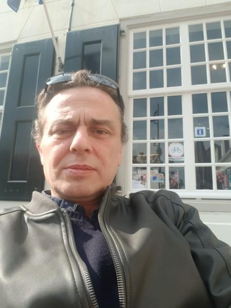 Laurentiu50, barbat, 50 ani, BUCURESTI