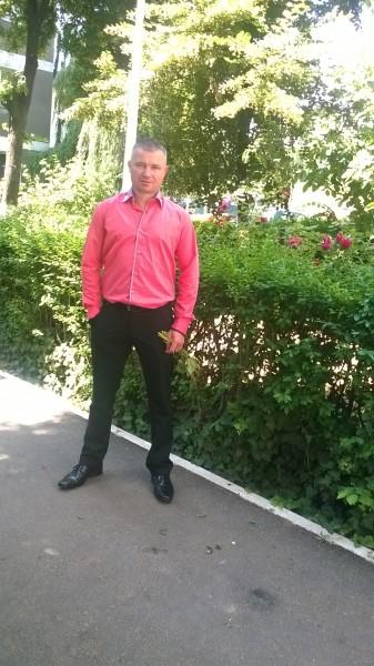 daniyel, barbat, 43 ani, Oradea