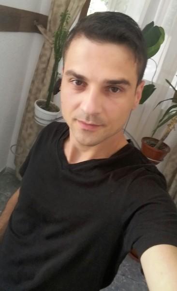 Mihai_Mihay, barbat, 32 ani, Iasi