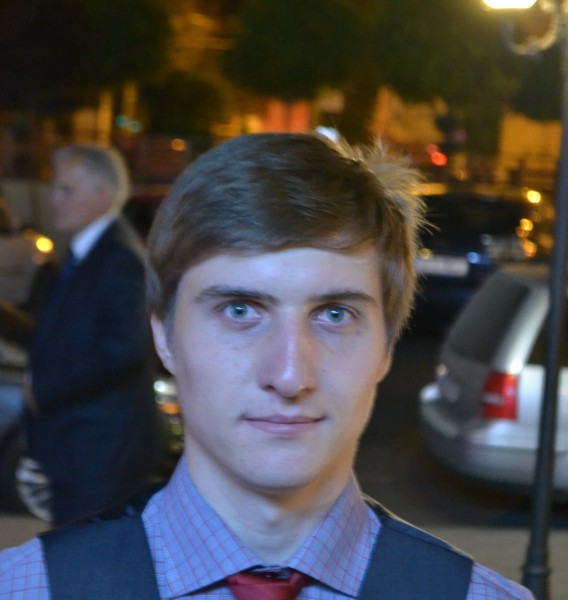 teodor0040, barbat, 23 ani, BUCURESTI