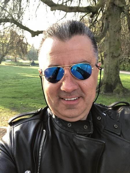 Zahnarzt, barbat, 42 ani, Sibiu