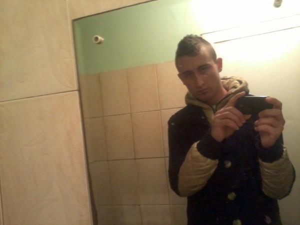 georgeAma, barbat, 24 ani, BUCURESTI
