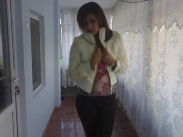 Avelinelena1, femeie, 29 ani, Romania