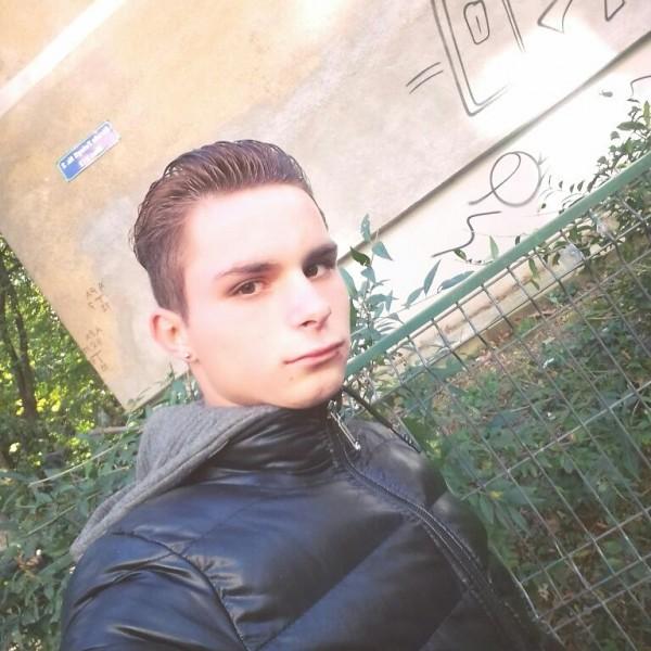 Andrei9978, barbat, 19 ani, BUCURESTI
