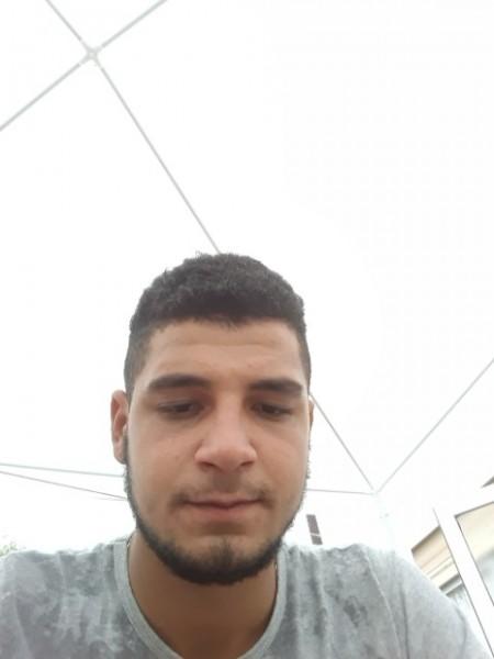 Cosmin9696, barbat, 22 ani, Calarasi