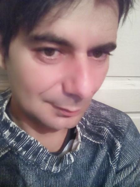 UnDino, barbat, 37 ani, BUCURESTI