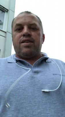 Luciano77790, barbat, 43 ani, Resita