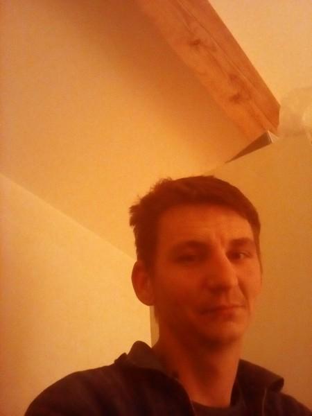Codrut_89, barbat, 28 ani, Romania