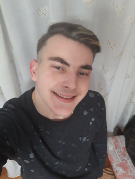 DanielRazvan99, barbat, 20 ani, Turda