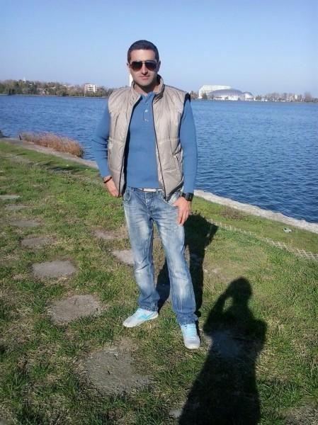 robert350, barbat, 40 ani, Calafat