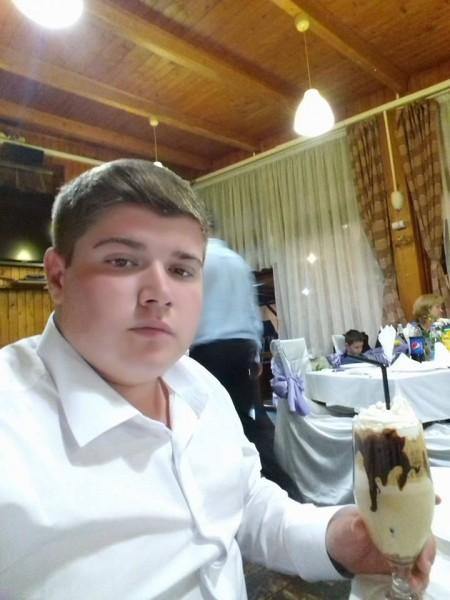 Marius_AMG, barbat, 21 ani, BUCURESTI