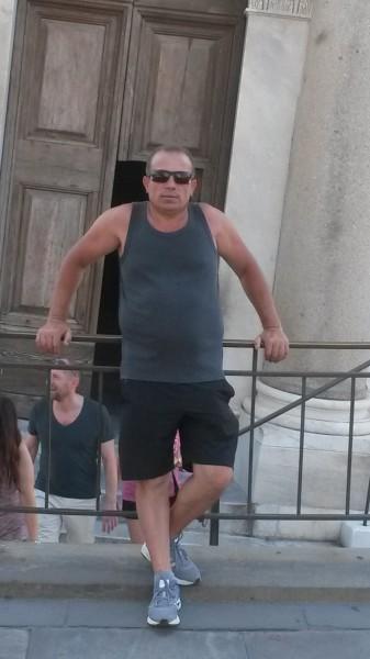 gioni_b19, barbat, 53 ani, Arad