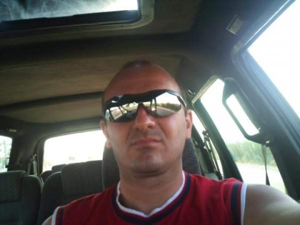 Honu, barbat, 45 ani, Bocsa