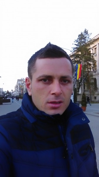 bogddd, barbat, 30 ani, Brasov