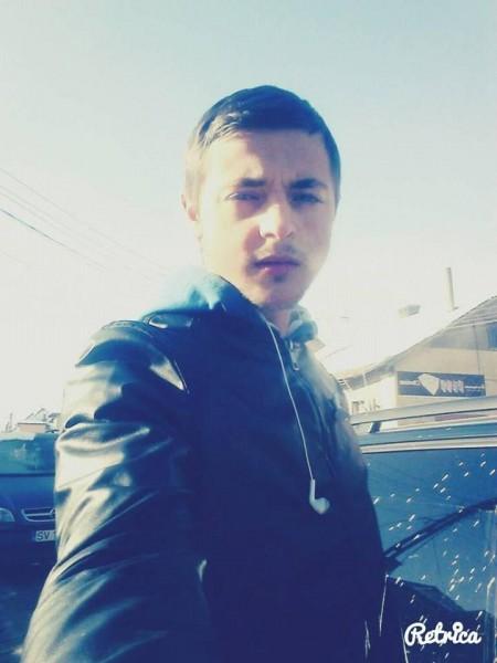 cristi_clm, barbat, 22 ani, Suceava