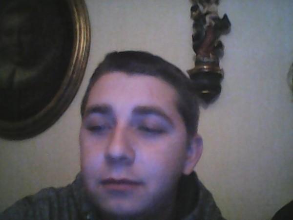 elton, barbat, 24 ani, Resita