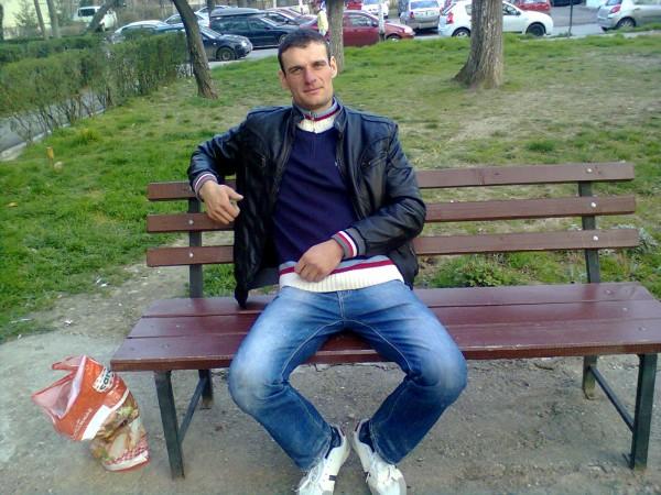 adelin29, barbat, 33 ani, Targu Jiu