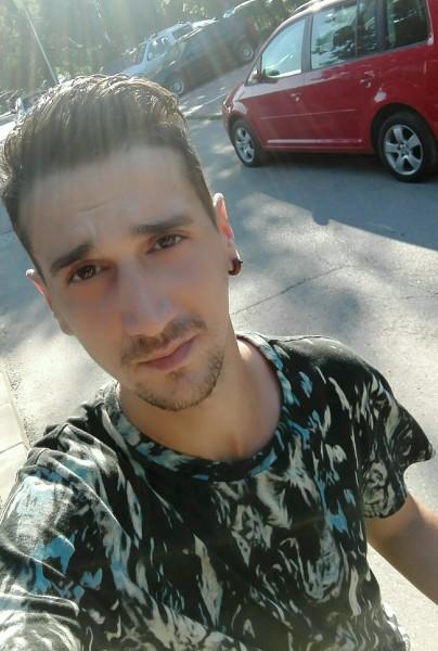 Alex_d9thc, barbat, 31 ani, BUCURESTI