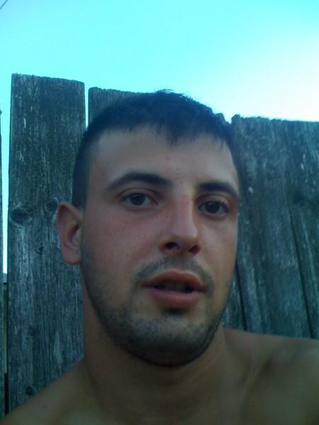paraschiv89marius, barbat, 29 ani, BUCURESTI