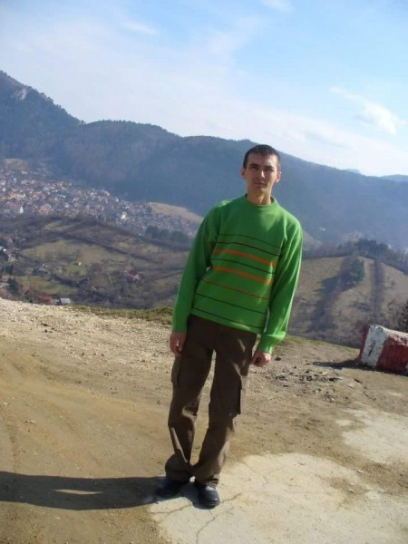 Akn75, barbat, 42 ani, Marea Britanie