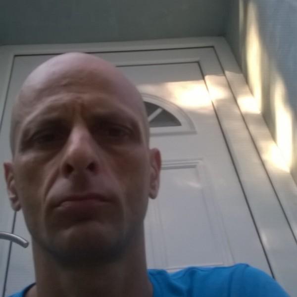 vasy39, barbat, 40 ani, Arad