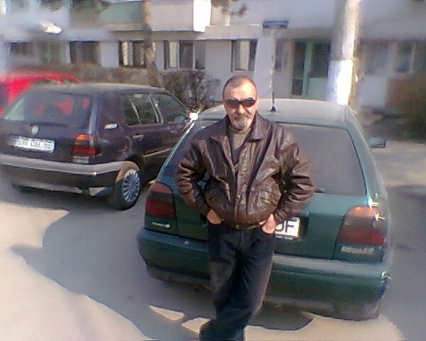 adrian63, barbat, 54 ani, Braila
