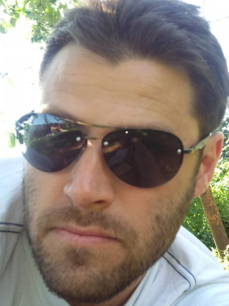 virus77, barbat, 42 ani, BUCURESTI