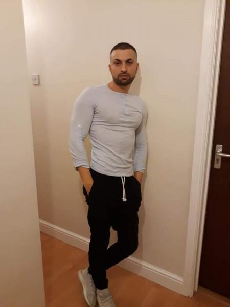 Robertfrc, barbat, 31 ani, BUCURESTI
