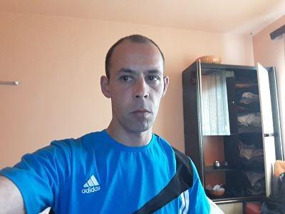 dzsokszy, barbat, 39 ani, Sfantu Gheorghe