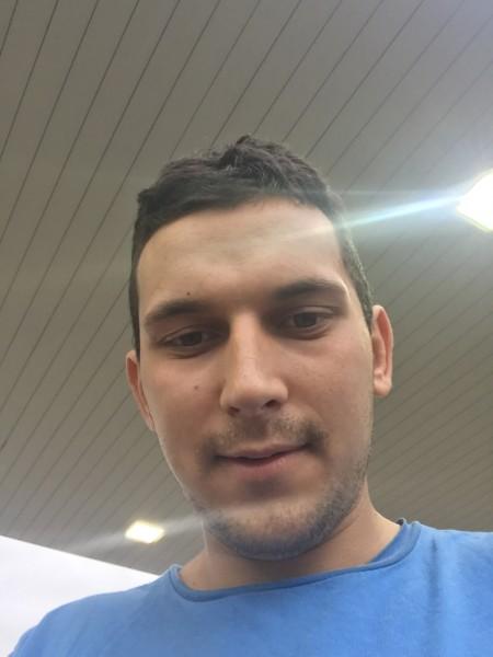 Vasy19, barbat, 21 ani, Arad