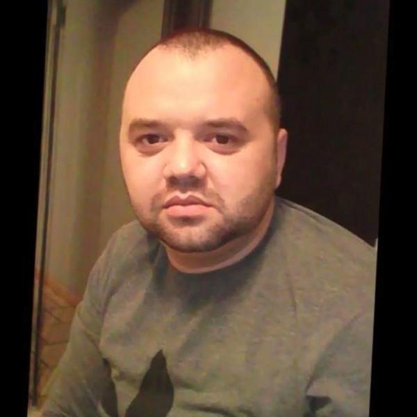 Ovidiu_nis, barbat, 34 ani, Drobeta Turnu Severin