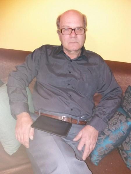 mihaisimi, barbat, 63 ani, Comanesti