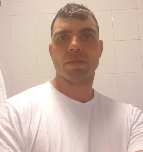 ionut198666, barbat, 33 ani, Galati