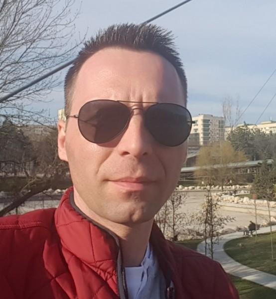 GeorgeGGG, barbat, 37 ani, BUCURESTI