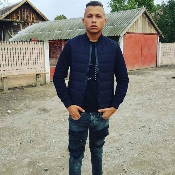 gabriel900, barbat, 21 ani, BUCURESTI