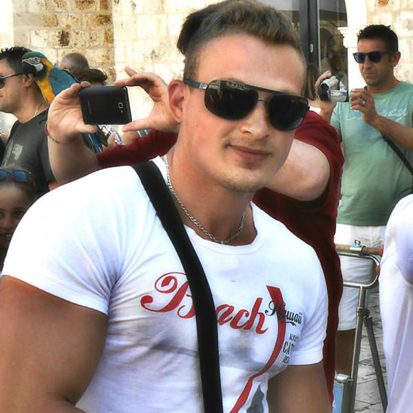 Dany5, barbat, 33 ani, BUCURESTI