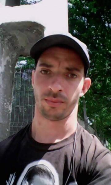 ionita_valentin90, barbat, 29 ani, Ploiesti
